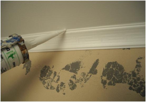 Чем заделать стыки потолочного плинтуса (6 фото)