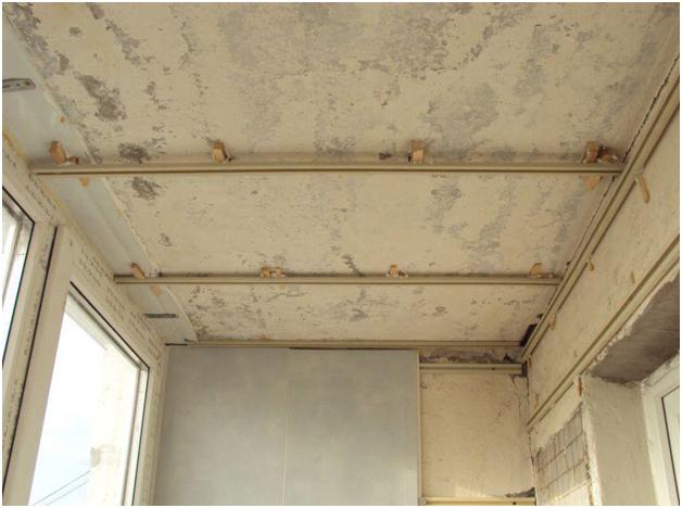 Потолок из пластика на балконе своими руками 19