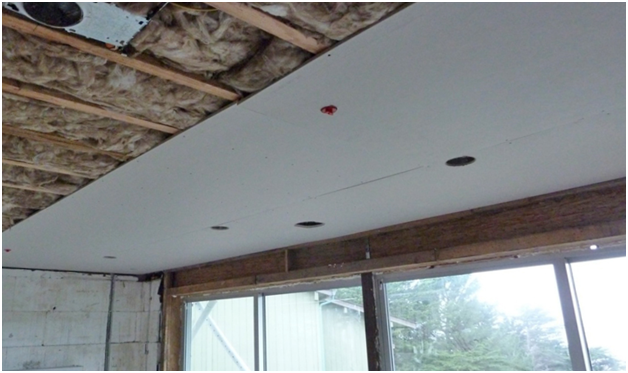 Как сделать потолок на балконе своими руками