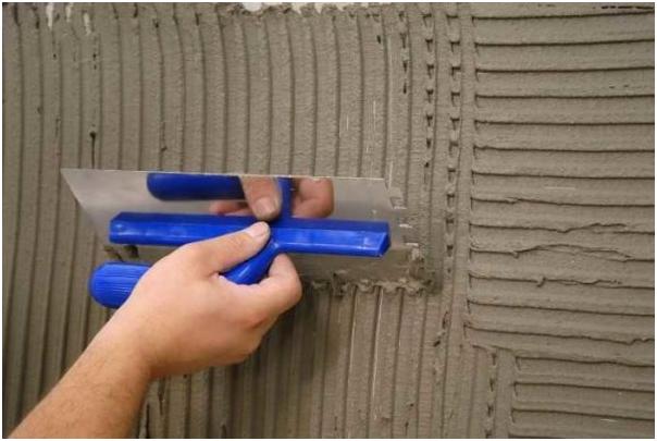 Как оштукатурить потолок и стены своими руками? (9 фото)