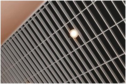 Подвесной потолок Грильято - что это такое, достоинства, монтаж