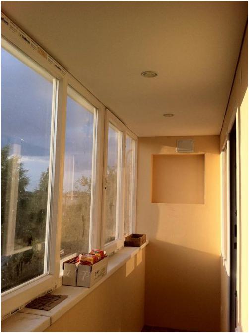 Натяжной потолок на балконе - как его сделать? (6 фото).