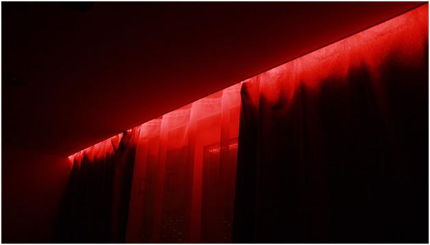 Ниша для штор в натяжном потолке: варианты конструкций и методы крепления