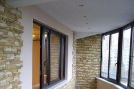 Чем можно сделать потолок на балконе