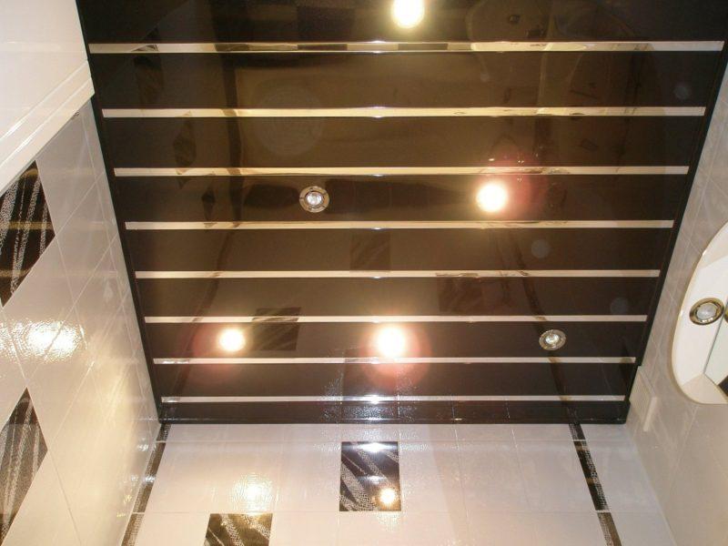 Освещение в металлическом потолке