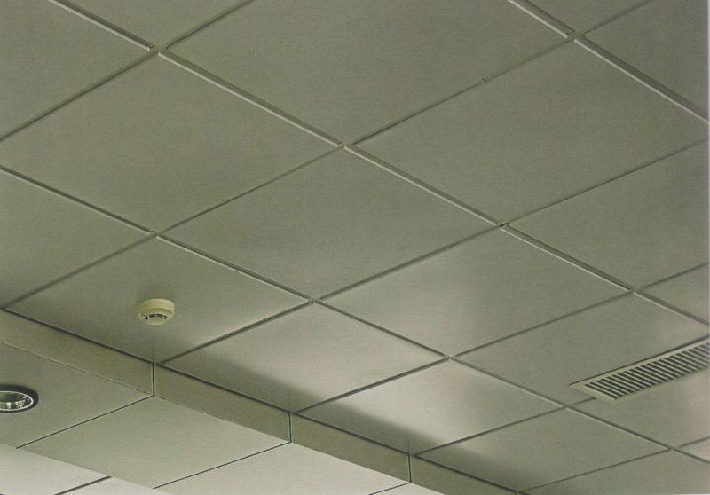 """Потолок фирмы """"Армстронг"""""""