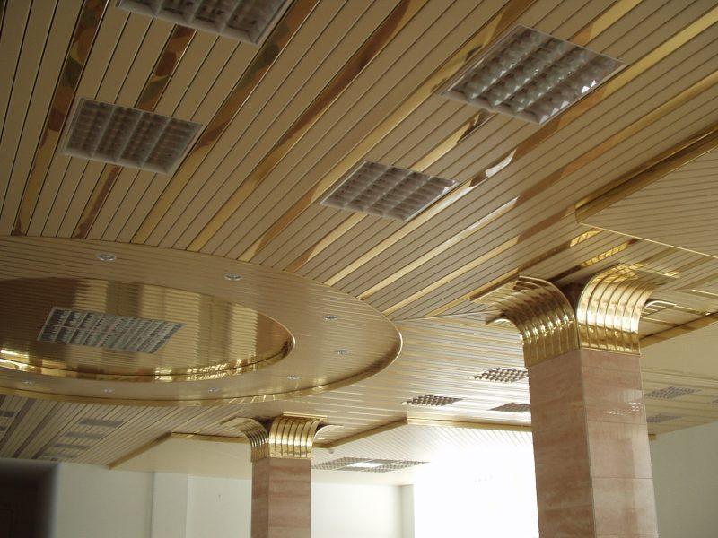 """Подвесной потолок цвета """"золото"""""""